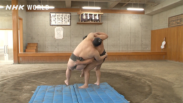 Kake-zori/Hooking backwards body drop