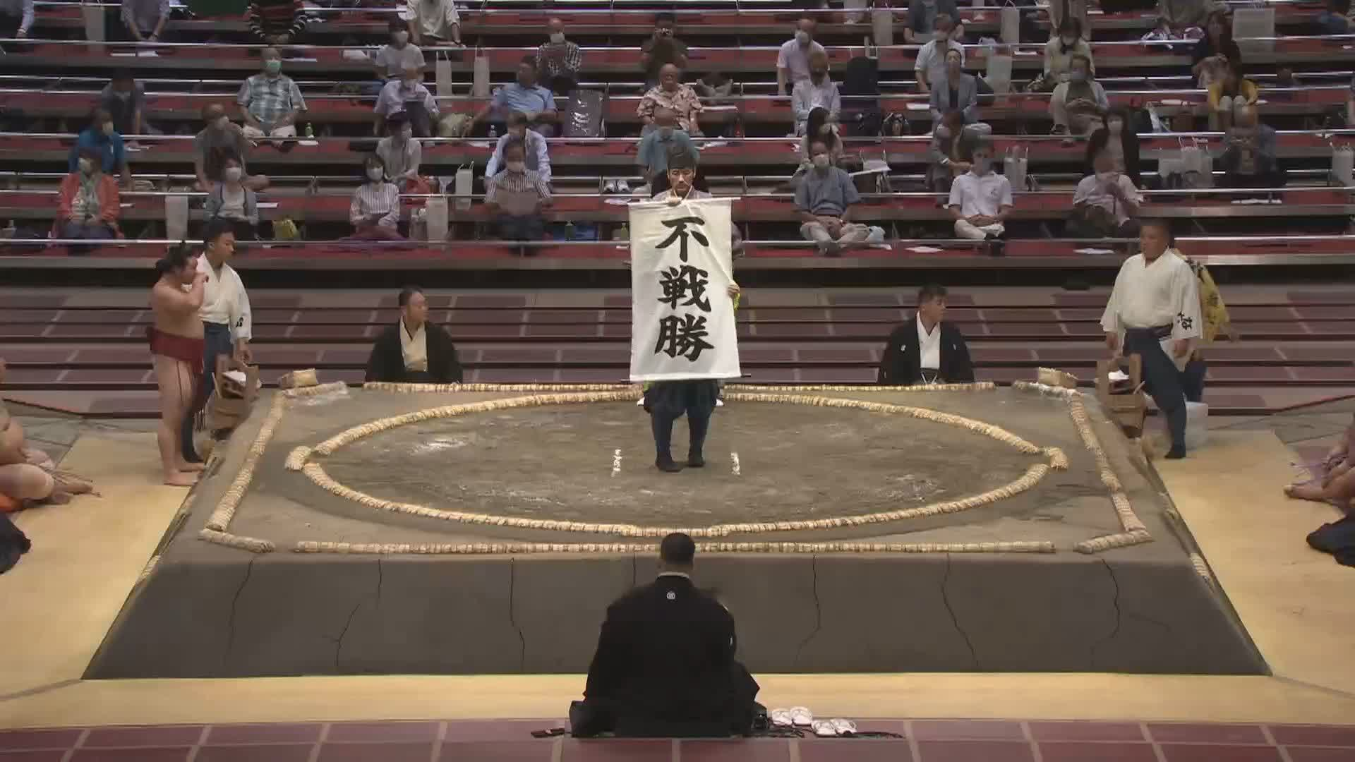 三日目:千代大龍 - 琴奨菊