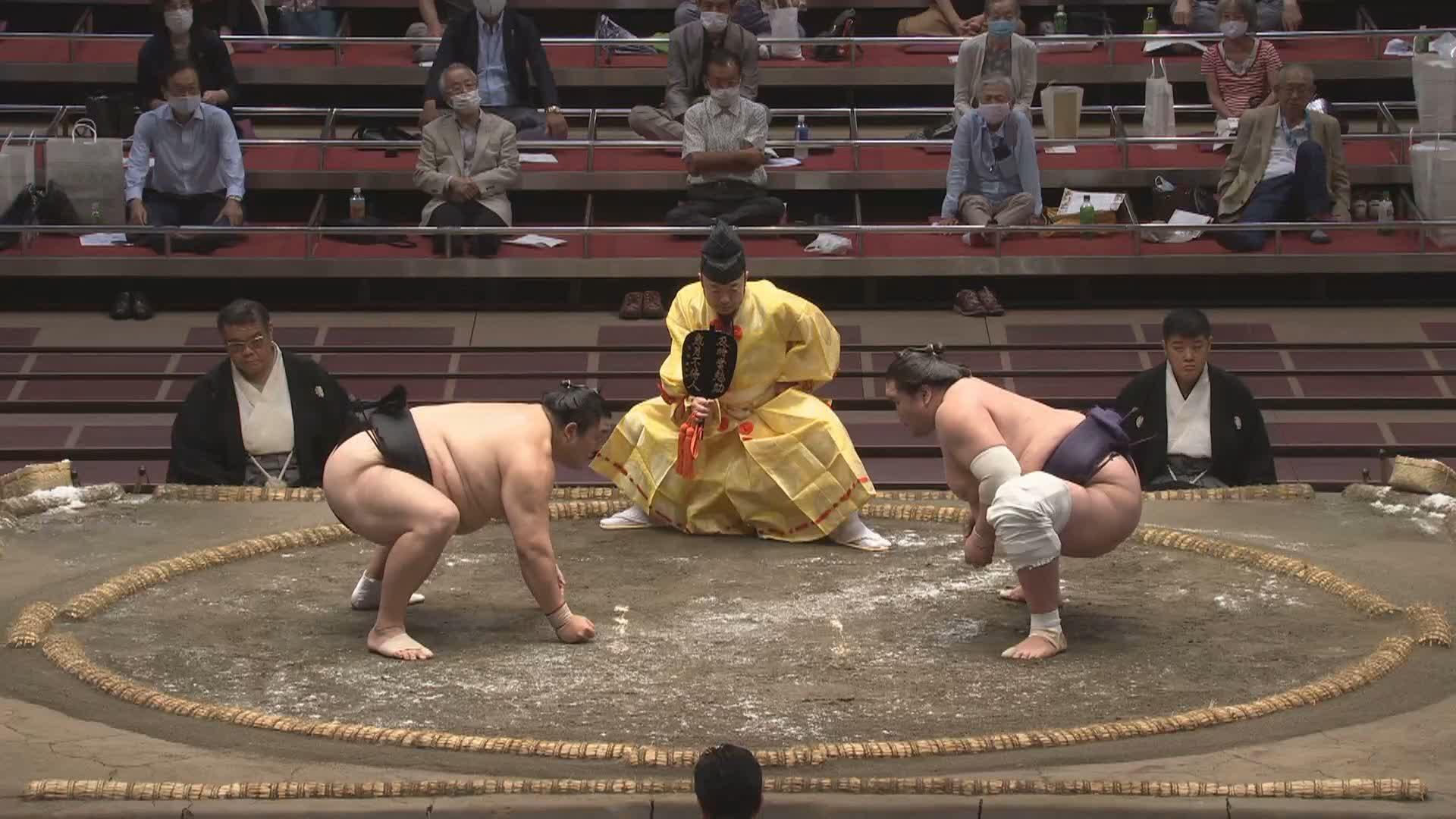 六日目:隠岐の海 - 照ノ富士