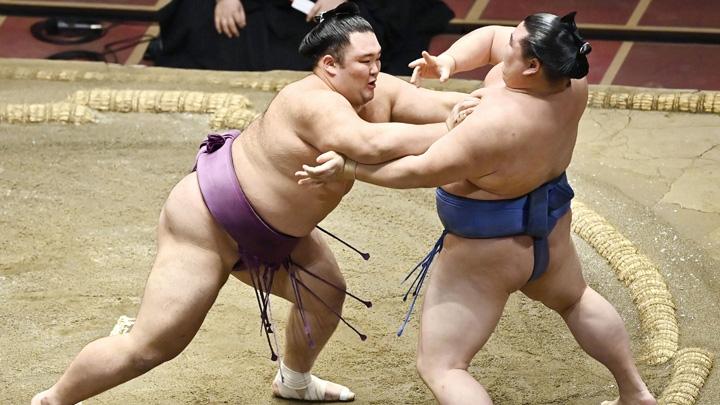 大関 朝乃山 「秋場所は賜杯を取り返します」   NHKスポーツ